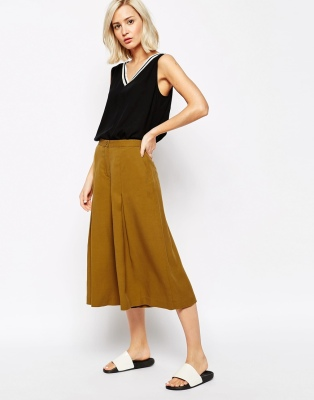 Pantalones con largo extraño de Sisley - Asos